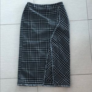 TopShop midi pencil skirt in plaid size 6